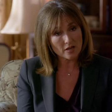 Dr. Marcus (Nora Dunn) in Entourage