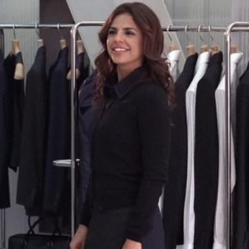 Drama's Date Kelly (Azita Ghanizada) in Entourage