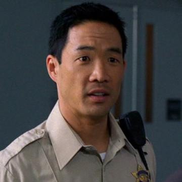 Ertz Officer (Chase Kim) in Entourage