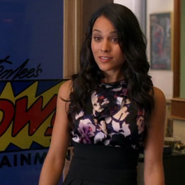 Stan Lee's Assistant (Maya Stojan) in Entourage