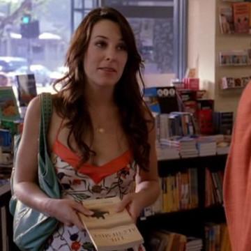 Vince's Book Store Girl (Lindsay Sloane) in Entourage