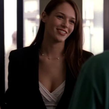 Vince's Jewelry Store Girl (Amanda Righetti) in Entourage