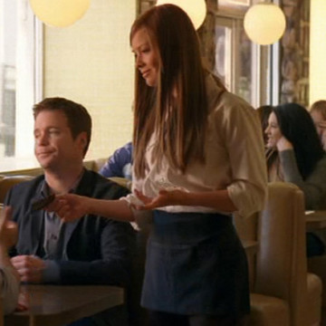 Waitress Amy (Emily Wilson) in Entourage