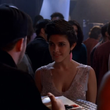 Xbox Tournament Girl (Ariana Delawari) in Entourage