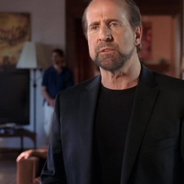 Aaron Cohen (Peter Stormare) in Entourage