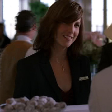 French Hotel Desk Clerk (Penelope Fortier) in Entourage