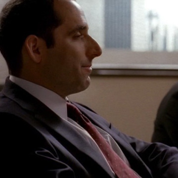 Male QB Executive (Peter Jacobson) in Entourage