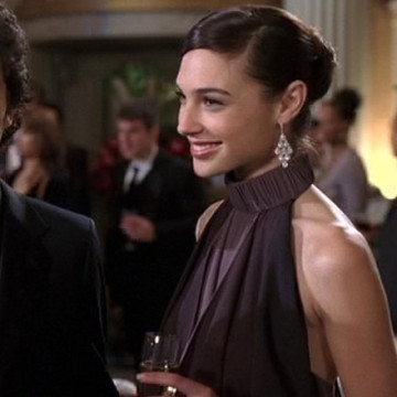 Vince's Date Lisa (Gal Gadot) in Entourage